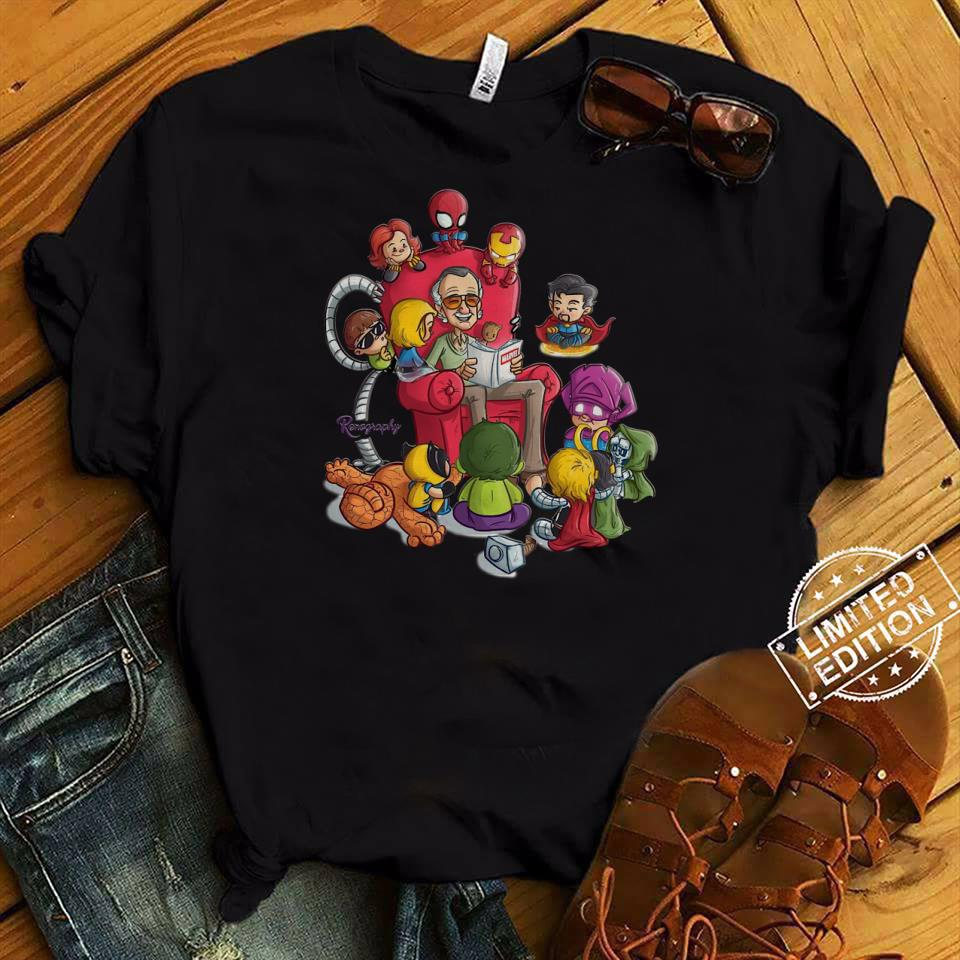 86063995 Stan Lee Reading Marvel Comic Book With Marvel Universe shirt