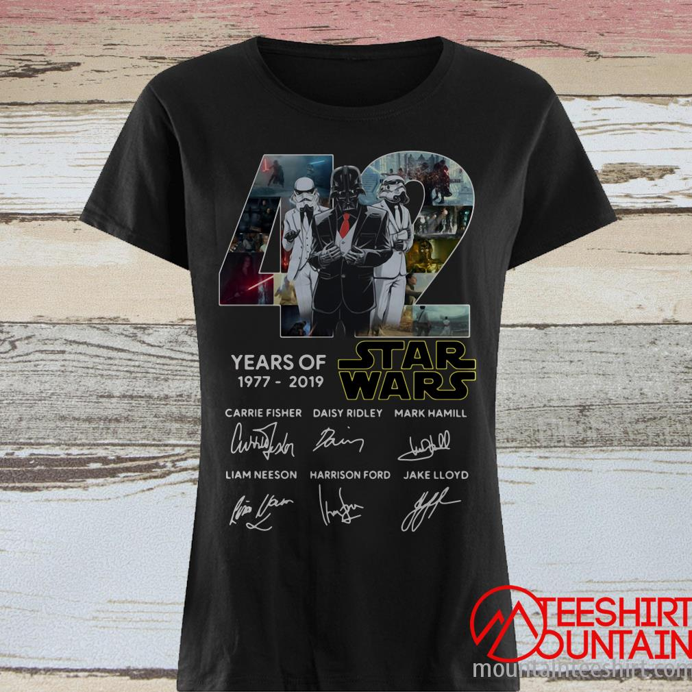 Darth Vader and Stormtrooper 42 years of Star Wars 1977 2019 signatures shirt