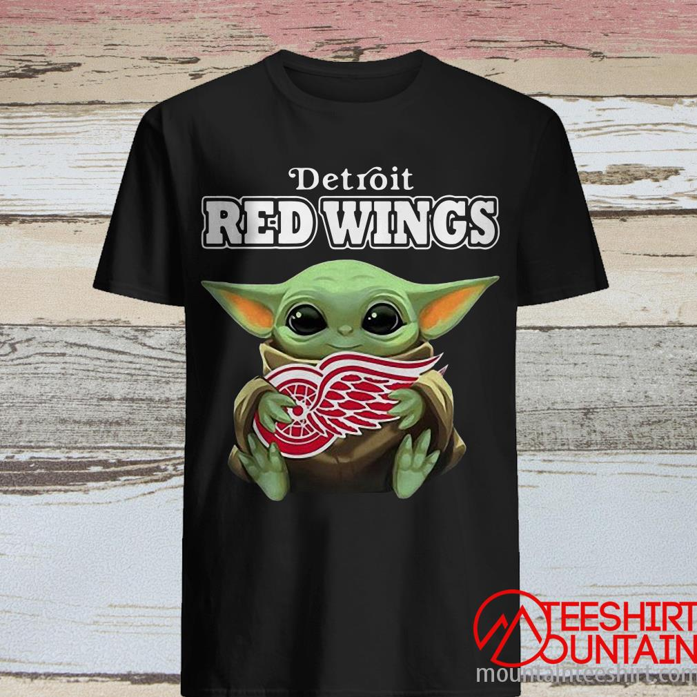 Baby Yoda Hug Detroit Red Wings Tee Shirt